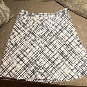 Women's black and white skirt